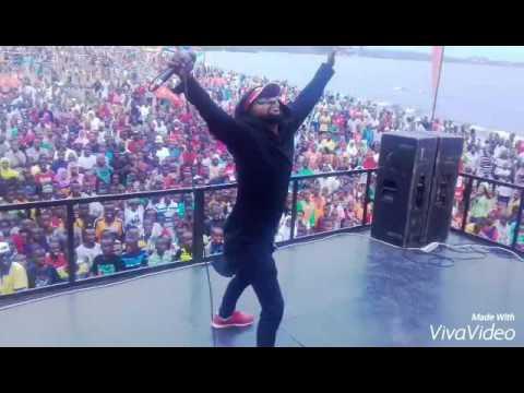 Mr champagne Live performance Burundi