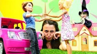 Gambar cover Barbie oyunları. Sevcan Barbie ve Ken 'e şaka yapıyor