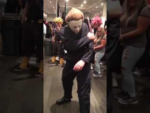 Michael Myers vs Jason at NYCC 2016