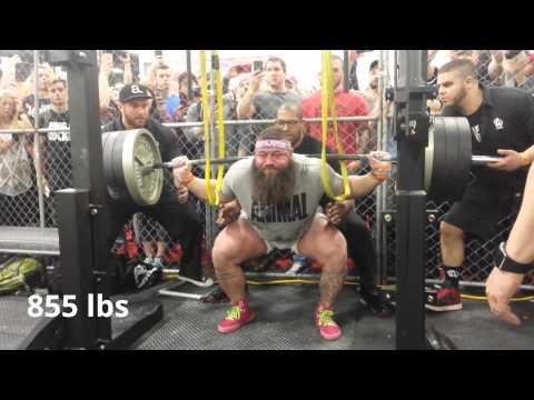 Robb Philippus squatting 900 lbs in The Cage 2016