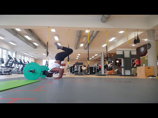 Handstand and Core training - Gugu Quilombola