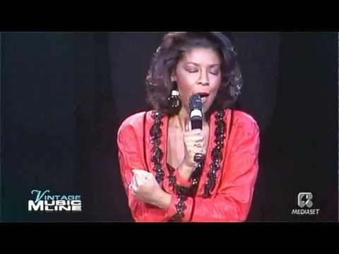 Natalie Cole - Miss You Like Crazy (LIVE)