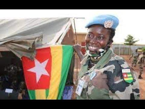 Download Togo,  l'Armée et le Peuple au Carrefour