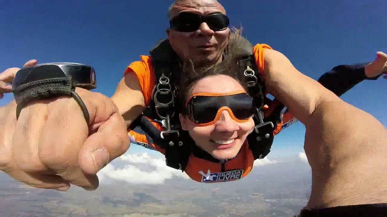 Salto de Paraqueda da Tamires na Queda Livre Paraquedismo 30 07 2016