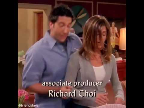 Friends - Rachel & Ross Signing song for Baby😂