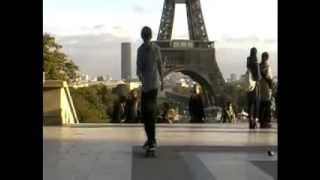 Freestyle Skateboarding in Paris
