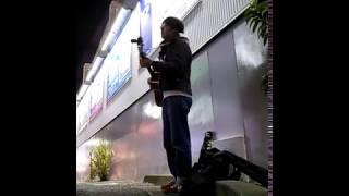 町田駅前で弾き語ってきました。 寒かったけど、途中「頑張って!」って...