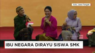 Gambar cover Video Lucu, Ketika Ibu Iriana Jokowi Dirayu Siswa SMK - Ibu Negara di Hari Kartini