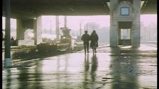В лунном сиянии (отрывок). Прибытие поезда (фильм, 1995)