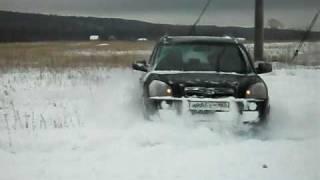 Hyundai Tucson в снегу (1)