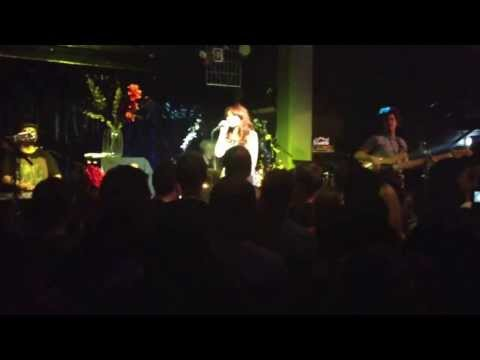 Janet Devlin - Crown of Thorns (Live at The Jazz Cafe, London - 25/9/13)
