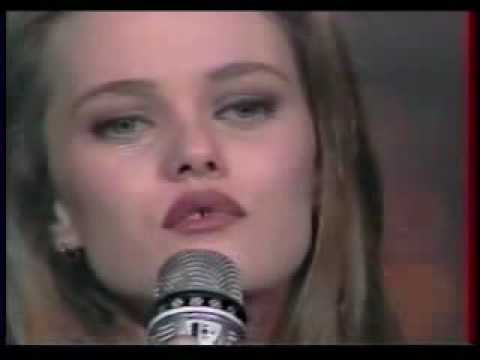 Marilyn and John from Vanessa Paradis.flv
