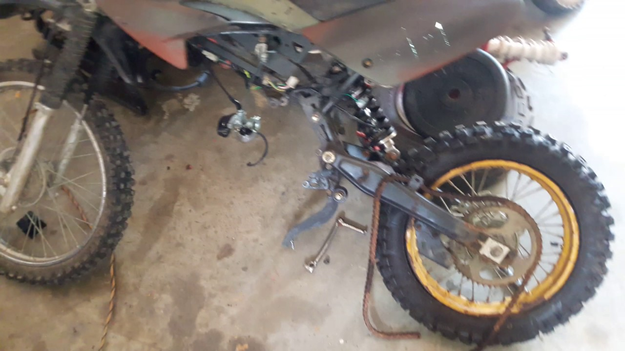 Changing Out Piston Rings And Piston Head On Chinese 125cc Dirt