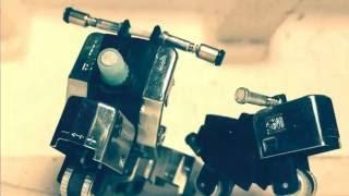 Replika Skuter Vespa dari korek gas bekas