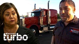 ¡Rolando falla al comprar boletos al supuesto comprador! | Texas Trocas | Discovery Turbo