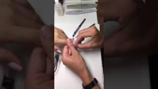 Техника покрытия Gelcolor  в области кутикулы и боковых пазухах