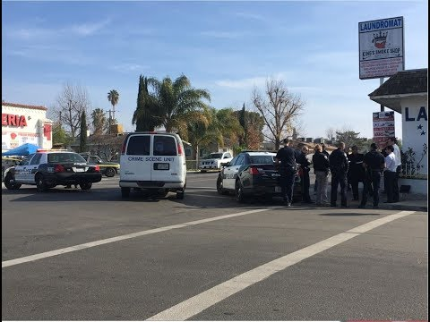 Employee of internet cafe in east Bakersfield shot during robbery