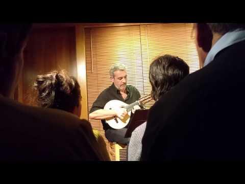 Bandurria laud y guitarra casa luthier barcelona trio for Casa luthier barcelona