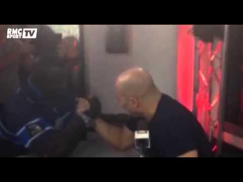 Super Moscato Show / Vincent Moscato défie un champion de lutte sénégalaise au bras de fer - 31/10