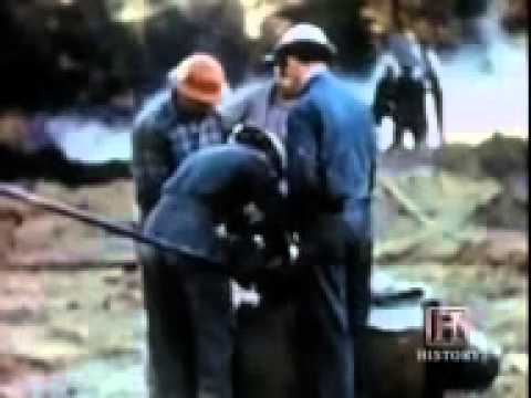 Fighting Oil or Gas Wells Fire   YouTube