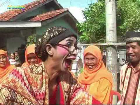 Upacara adat Sunda MAPAG PANGANTEN