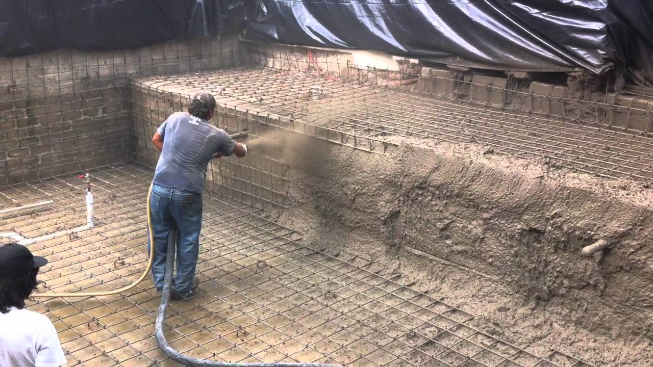 Lanzado de concreto en alberca youtube for Piscinas cemento construccion
