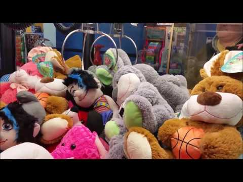 Absolutely CRUSHING Claw Machines for 22 WINS!