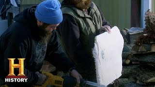 Dark Horse Nation: Building A Float  (S1, E6) | History