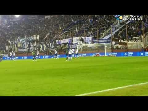 El gol de Tevez a Alvarado para el 6-0 final de Boca