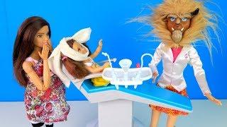 НА ОСМОТРЕ У ЗЛОГО СТОМАТОЛОГА Мультик #Барби Школа Куклы Игрушки для девочек IkuklaTV