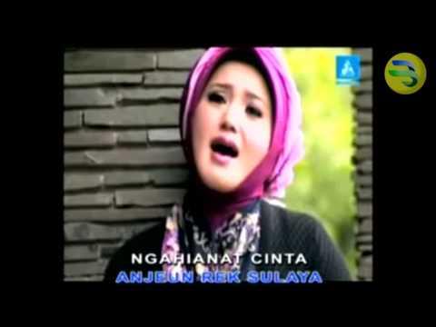 Evie Tamala - Nandang Tunggara