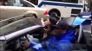 Скачать 50 Cent Riding His New Lamborghini Playing Smoke In NY