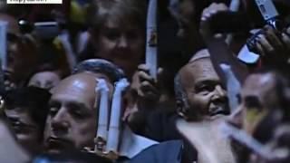 В Иерусалиме сошел Благодатный огонь(Тысячи людей у храма Гроба Господня в Старом Иерусалиме стали свидетелями события, которого ждали миллионы..., 2012-04-14T16:43:19.000Z)
