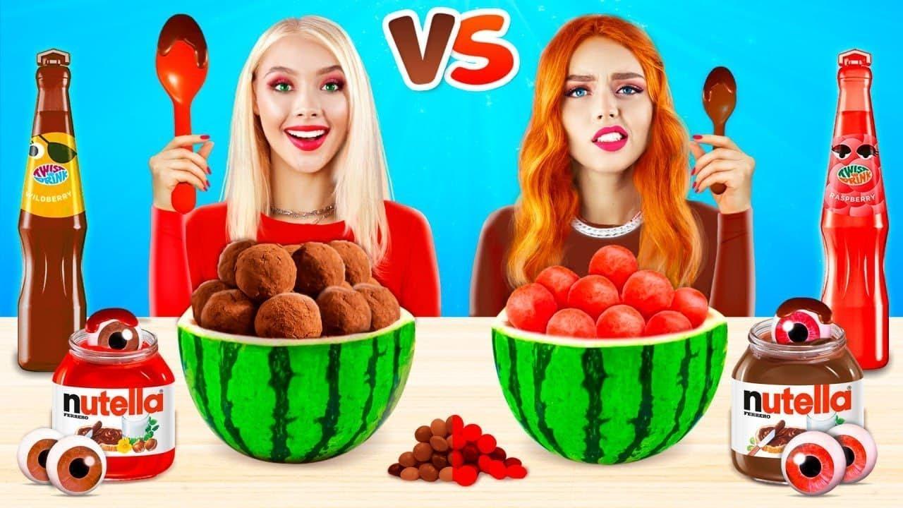 Tantangan Makanan Coklat vs Merah! Makan Permen Satu Warna! Makanan Asli VS Coklat oleh RATATA YUMMY