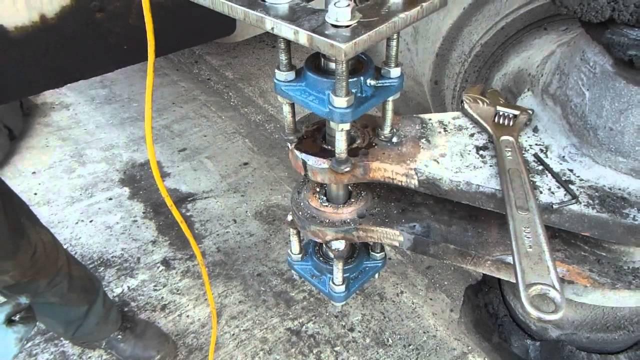Repairing A Worn Container Handler Truck Steer Axle