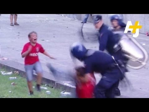 Police Caught Beating Man In Front Of His Children