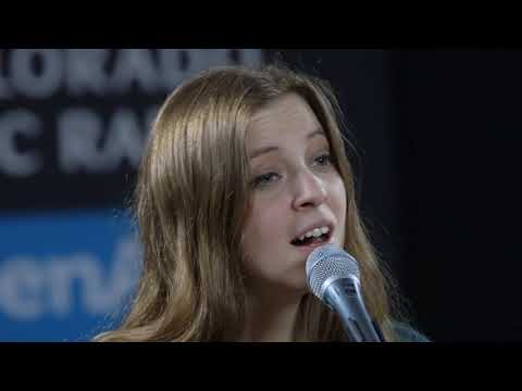 Jade Bird plays
