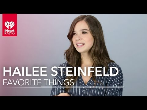 Hailee Steinfeld Interview - Learn Her Favorite Things