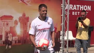 FUT AZTECA | Javier Hernández se enfunda en la playera de Sevilla