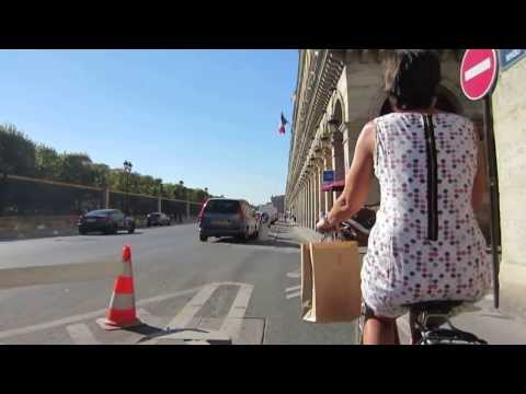 Cycling in Paris: Rue de Rivoli _ Place de la Concorde