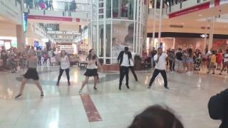 "Flashmob Proposal to ""Marry You"" by Bruno Mars!"