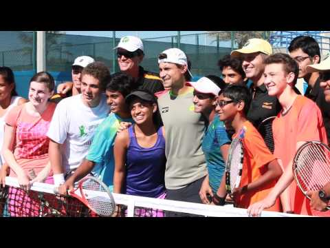 Video: Young tennis players meet Murray and Ferrer