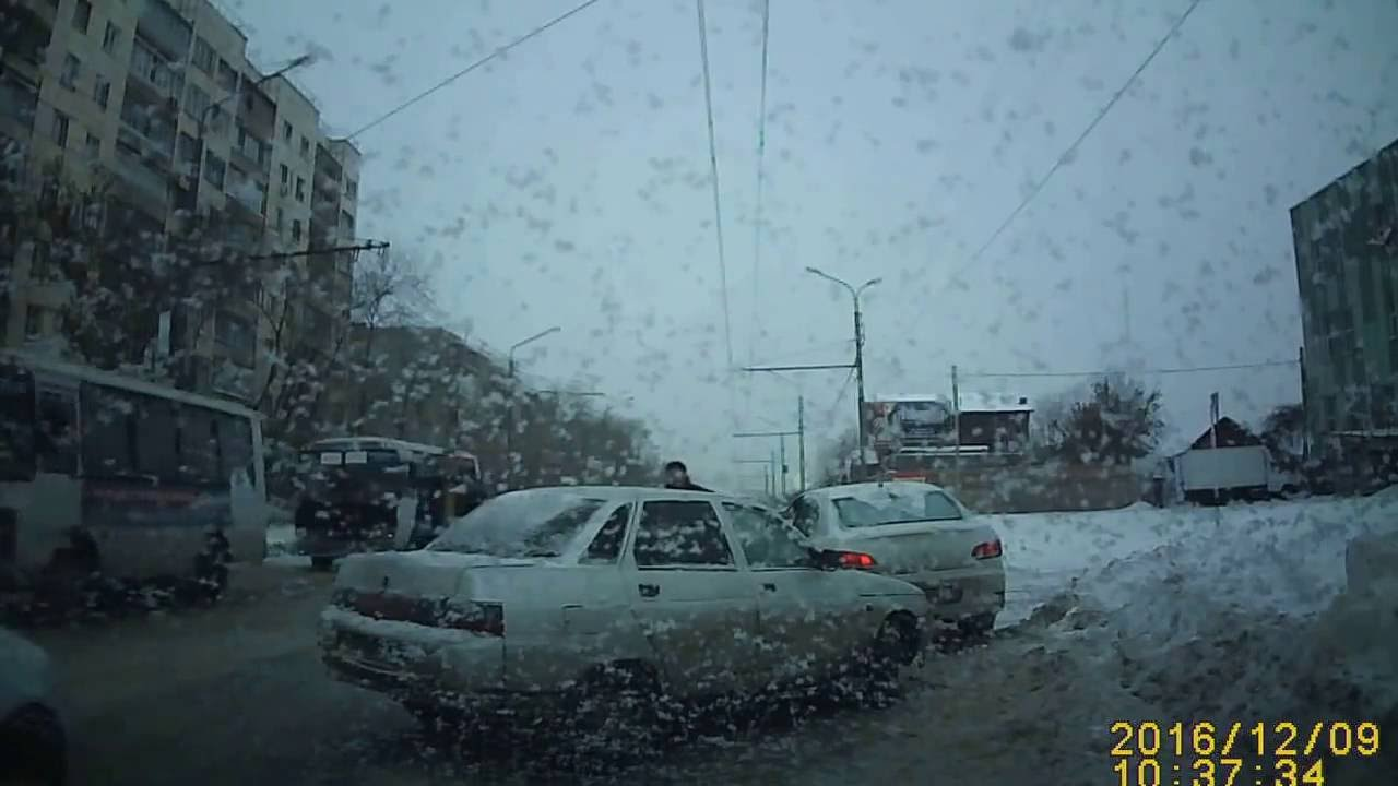 Драка после ДТП Оренбург 09 12 2016