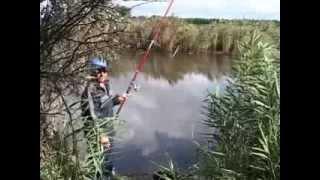 Ловля Карпа на Поплавочную Удочку.смотрим и вчимся как надо ловить рыбу.(, 2013-09-18T19:13:25.000Z)