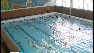 Жители Сегежи плавают в отремонтированном бассейне