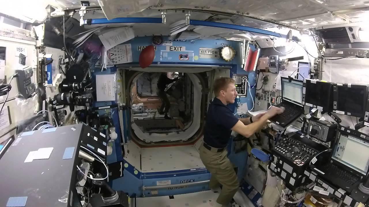 Почему в самом грязном отсеке МКС нельзя проводить уборку?