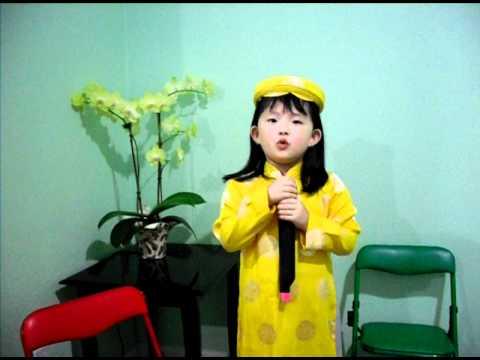 """Connie Ha (3 tuoi) """"MC tuong lai cua Thuy Nga Paris"""""""