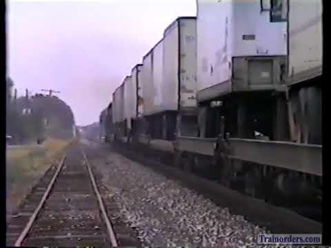 Classic Railroad Series 998 - SP 5114 West & East, Broussard, La. World Boudin Capitol Part 2 Of 2.
