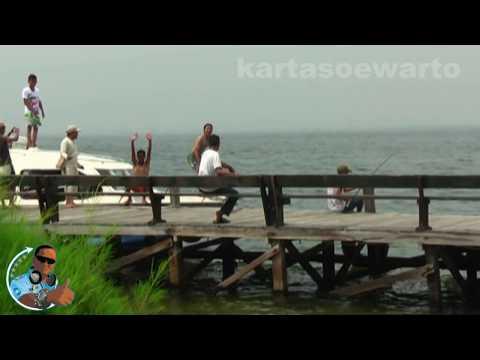 Pesta Pantai - Toni Q Rastrafara (Bidadari Island 2010)