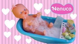 Poupon Nenuco Bébé Bain et Accessoires  ❤ Le bébé prend le biberon et fait pipi vraiment!❤